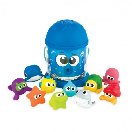 Maudynių žaislas kibirėlyje