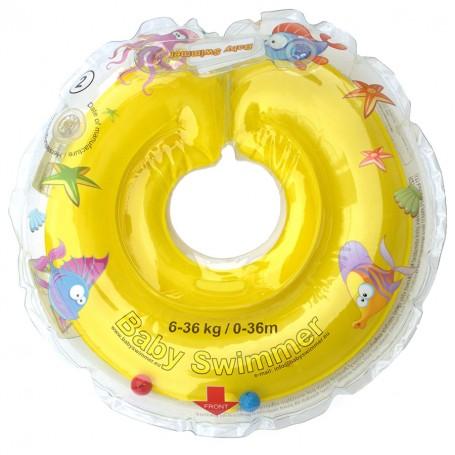 Kūdikio maudynių ratas ant kaklo