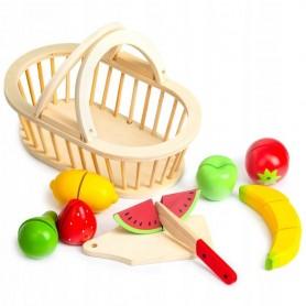 Pjaustomi mediniai vaisiai su krepšeliu