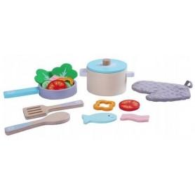 Mediniai vaikiški indai su produktais